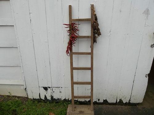 tobacco stick ladder: Stick Ladder, Stick Crafts, House Crafts, Tobacco Sticks, Craft Ideas, Primitive Decor, Flower