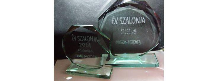 Az Év Szalonja 2014-ben: Madmazel Kozmetika Soós Brigitta, Siófok! Gratulálunk! Az eredményhirdetésről és a díjátadóról ITT olvasható: http://remeka.hu/index.php/magazinxmszakmai-frissxm/single-column-blog/631-ev-szalonja-2014-eredmenyhirdetes