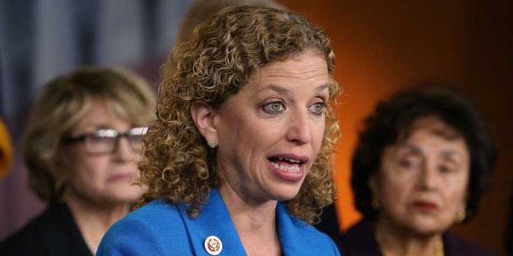 Should Debbie Wasserman Schultz be forcibly removed as DNC Chairwoman?