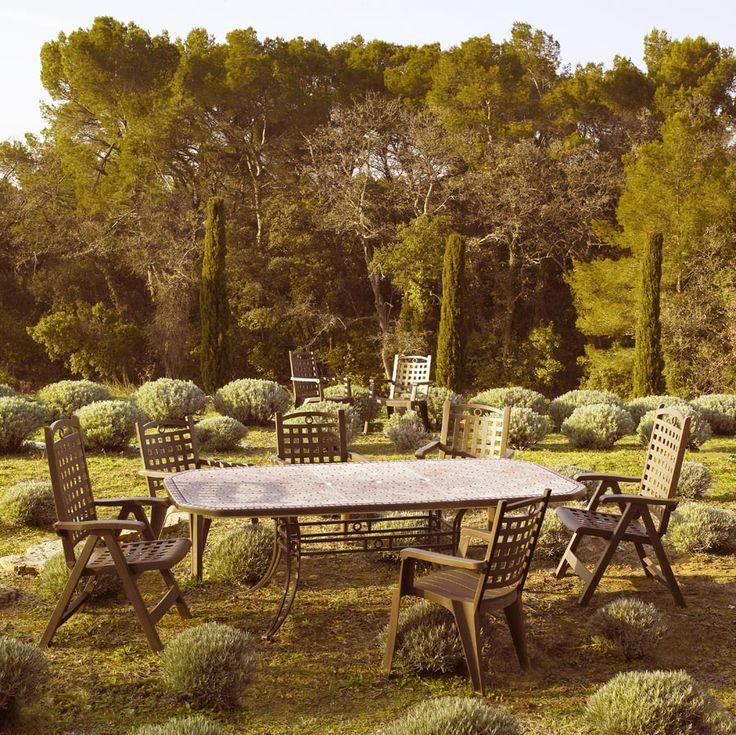 ensemble table et fauteuils pour 8 personnes disponibles sur dcostock http - Grosfillex