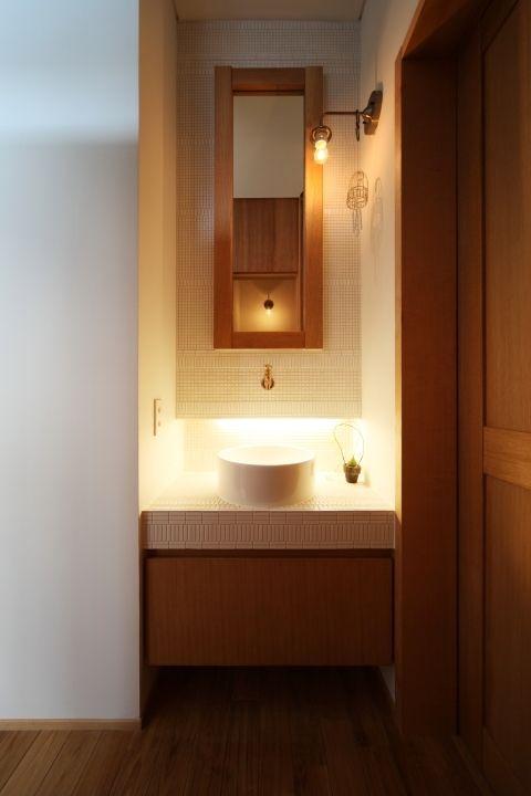 F08(ぶらさがりがいっぱいの家) - バス/トイレ事例|SUVACO(スバコ)