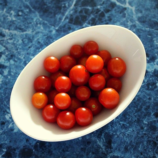 Homegrown cherry tomatoes | A Bella Adventure | http://instagram.com/p/xsyOwEwHdz