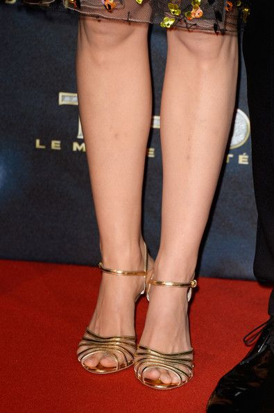NATALIE PORTMAN Feet PICTURES PHOTOS and IMAGES