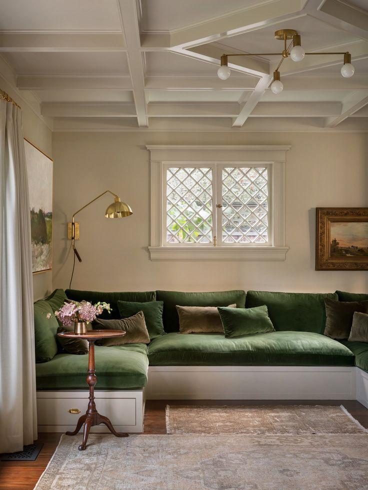 A Stylish Portland Home Designed By Jessica Helgerson Interior Design The Nordroom House Interior Interior Design Built In Sofa