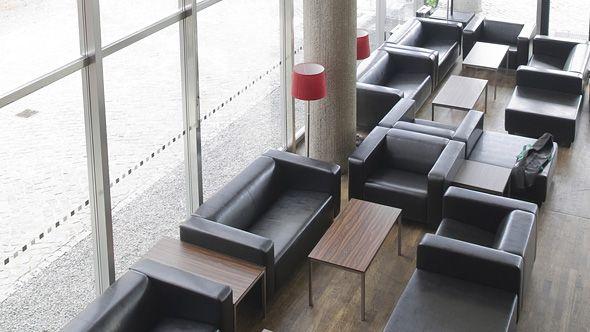 Loungemöbel von Eventwide Berlin für Messe, Kongress und Event -