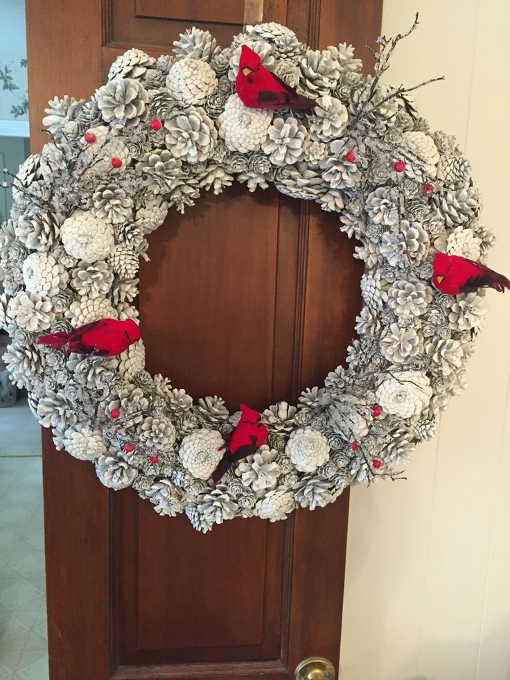 1000 ideas about pine cone wreath on pinterest pine. Black Bedroom Furniture Sets. Home Design Ideas