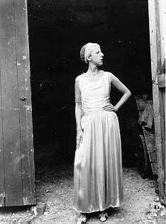 Claude Cahun #dress #fashion #gender #portrait