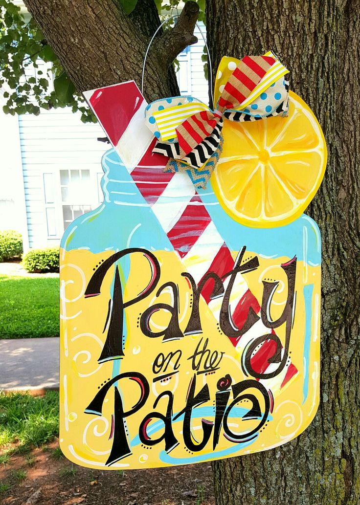 Mason Jar Wooden Door Hanger ☆ Wooden Door Hanger Lemonade ☆ Summer Wooden Door Hanger ☆ Party on the Patio Wooden Door Hanger ♡ painted by Sydney Turner & Ursula Mason