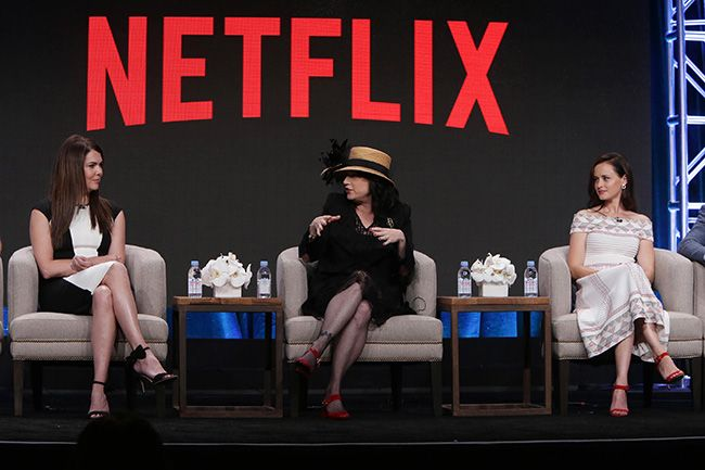 Lauren Graham, Alexis Bledel & Amy Sherman-Palladino return for Gilmore Girls: A Year in the Life #Netflix