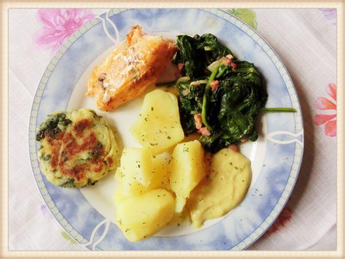 Blattspinat mit Lachs und Kartoffeln