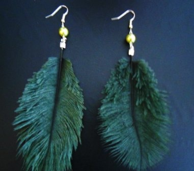 Forest Green Feather  http://africanjewelleryshop.yolasite.com/