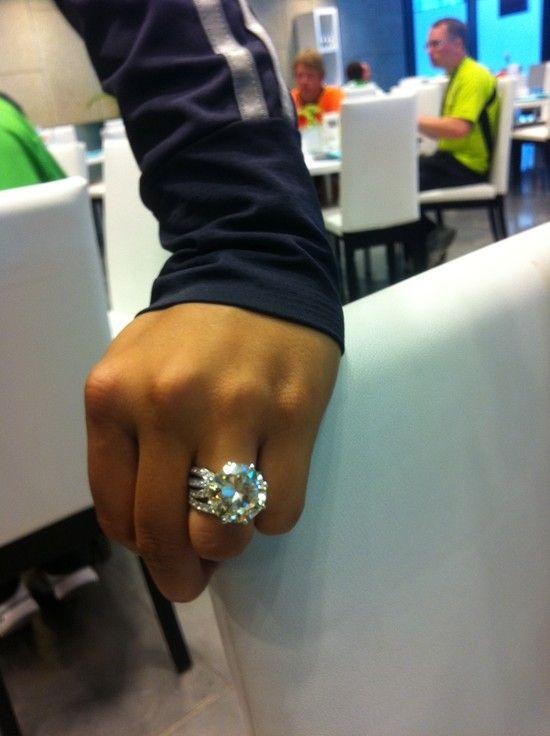 This is Sania Mirza-Malik's engagement ring from now husband Pakistani cricketer Shoaib Malik.