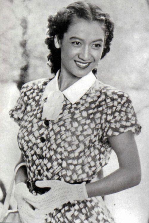 Setsuko Hara at age 17.