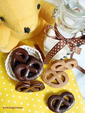 Kakukkfű: Cukormentes csokis perec házilag