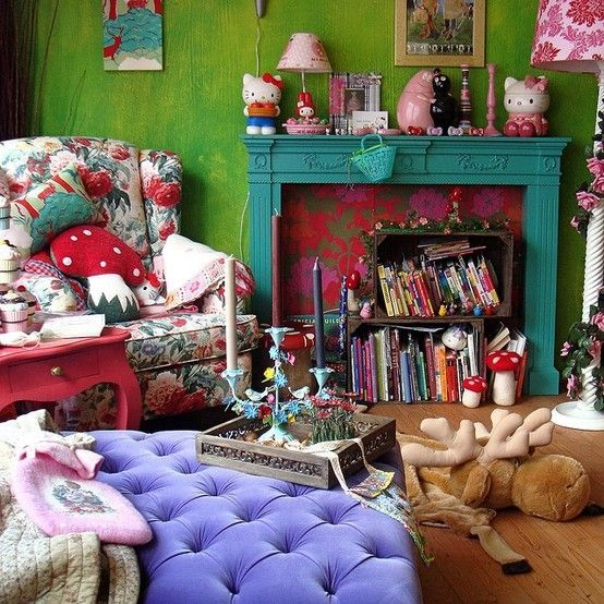 Funky vibrant colors decor living rooms pinterest for Funky home accessories