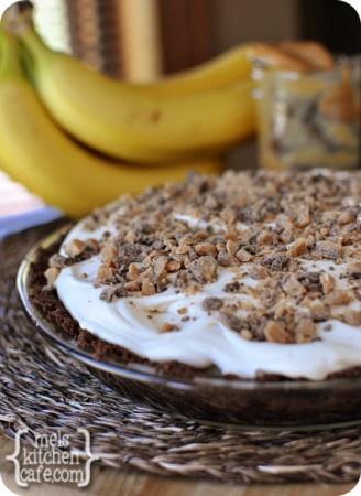 melskitchencafe.com: Banoffee Pie (Bananas, Toffee, Dulce de Leche)