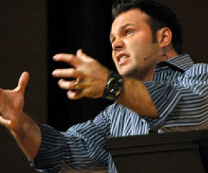Pastor Mark Driscoll Compares Nagging Women to Water Torture (Video) http://www.opposingviews.com/i/religion/christianity/pastor-mark-driscoll-compares-nagging-women-water-torture-video