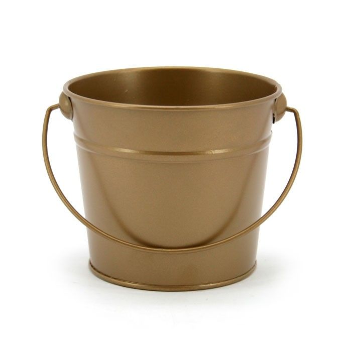 Small Round Tin With Handle 12tdx9.5btx11Hcm | Oceans Floral -Tinware is very versatile, whether you want troughs for hampers or corporate gifts, or buckets and tall tins for flowers; our v-shape tins with ear handles are great for displaying flowers plus our plastic pots and vases pop inside nicely for a water tight option. Our smaller tins work great for gifts, posies, wedding favours, children's parties and baby showers.