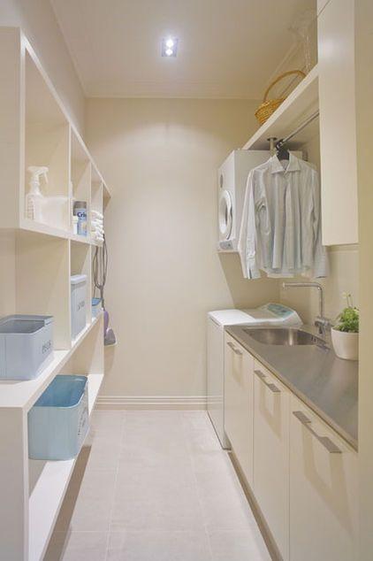 contemporary laundry room by Natalie Du BoisDry Racks, Laundry Ideas, Contemporary Laundry, Wood, Laundry Room Design, Mud Room, Laundry Rooms, Natalie Du, Laundryroom