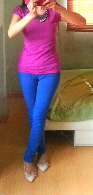 Topshop pink shirt + f21 royal blue jeans & Promod silver chunky interwoven necklace = ♥ (cream bow kitten heels is cute too!)
