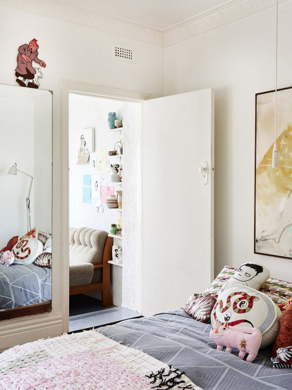The South Yarra apartment of Ellie King and Cale Sexton. Photo – Eve Wilson, Production – Lucy Feagins on thedesignfiles.net