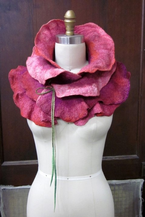A felt scarf that turns you into a rose!