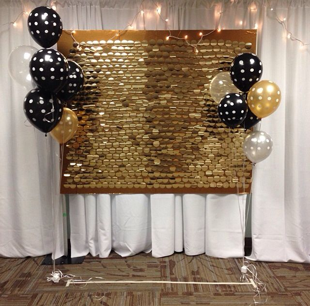 Super cute gold and black recruitment backdrop!  This is from my chapter! Whoo hoo