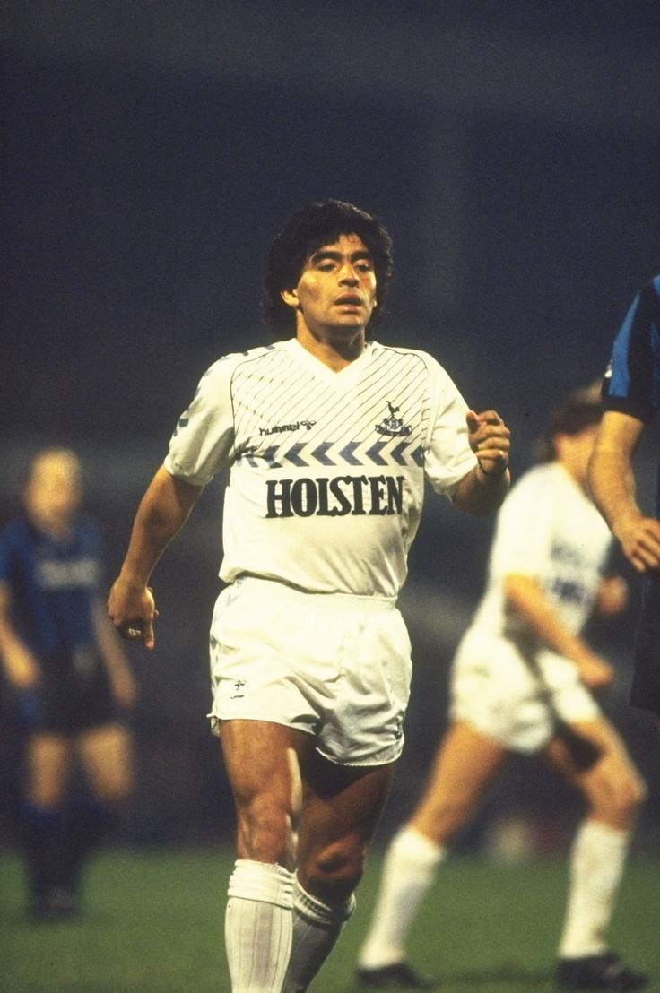 Maradona jugó con los Spurs en un homenaje.  Tottenham Hotspur 2-1 Inter Milan, Osvaldo Ardiles Testimonial 1986, White Hart Lane