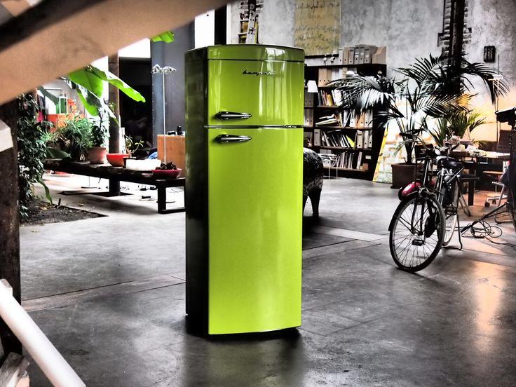Frigo Bompani Retrò #verde #lime e loft industriale, connubio perfetto! #green  #Bompani #architettura #design #arredamento #retrò #MadeInItaly #frigoriferi #Fridge #ItalianCulture #ItalianCuisine