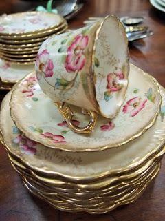 Porcellane antiche con romantiche rose inglesi...
