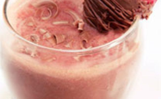 Strawberry Chocolate Tequila Cocktail via @Aaa Sss - http://us.sauzatequila.com/recipes/strawberry-chocolate-tequila-cocktail