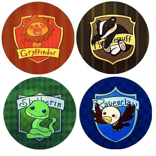 Les quatre maisons de Poudlard: Gryffondor, Poufsouffle, Serdaigle et Serpentard