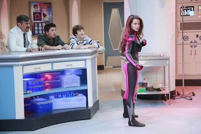 Paris Berelc as Skylar Storm, Jake Short as Oliver, and Bradley Steven Perry as Kaz on Mighty Med.