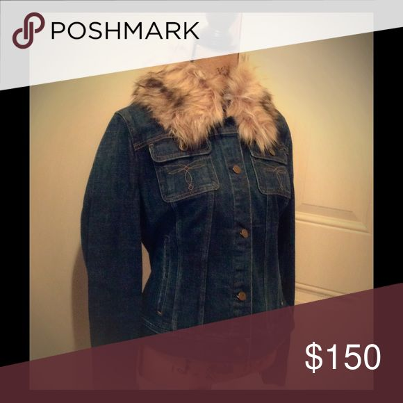 Ladies Ralph Lauren Denim Jacket with Fur Collar Beautiful Ladies Ralph Lauren Denim Jacket, perfect for a night out on the town with your best girlfriends. Ralph Lauren Jackets & Coats Jean Jackets