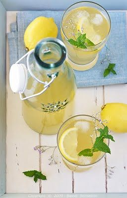 Lemon Iced Tea Recipe via Leona