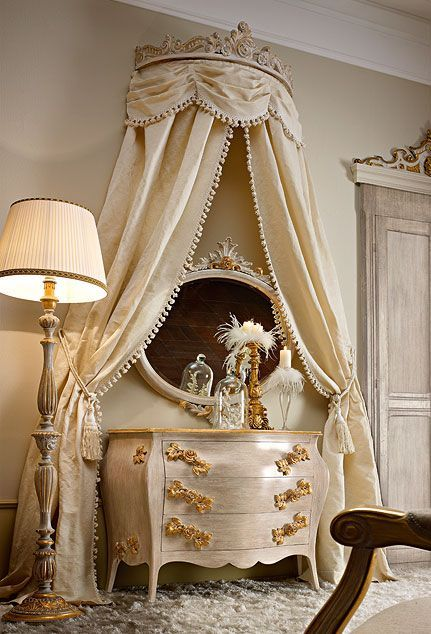 Luxury Classic Italian Homemade Bedroom Furniture Sets. #BedroomFurnitureSets