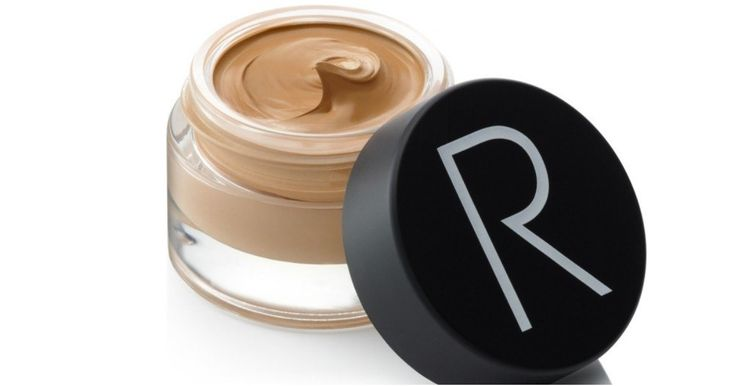 •POPSUGAR•Beauty•Beauty Product ReviewRodial Airbrush Foundation ReviewThis Heavy-Duty Foundation Has a Place in Every Kit — Even if You Don't Really Wear MakeupSharesWhen I first came across Rodial's …