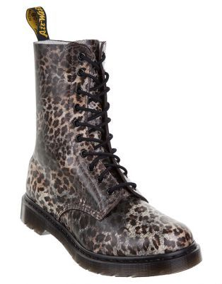 Doc Martens Boots - gotta find my size (super duper small)