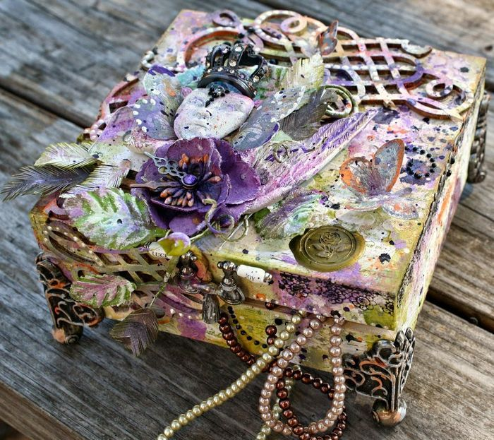 Ready For A Few Winners? Miranda Edney's altered jewelry box is the epitome of beauty and our winning entry for the October PPP!