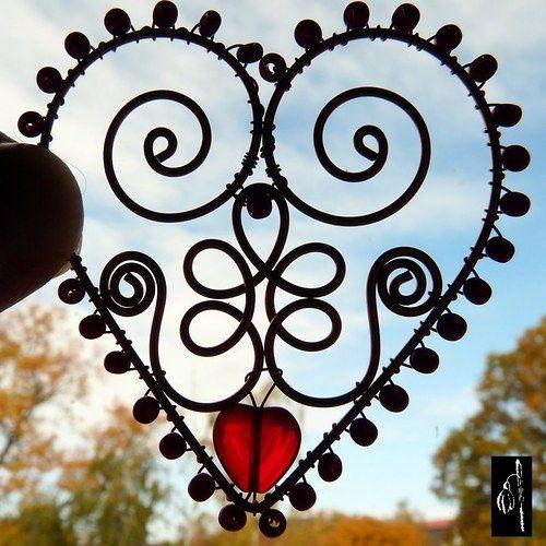 Folklorní srdce - drátovaná ozdoba