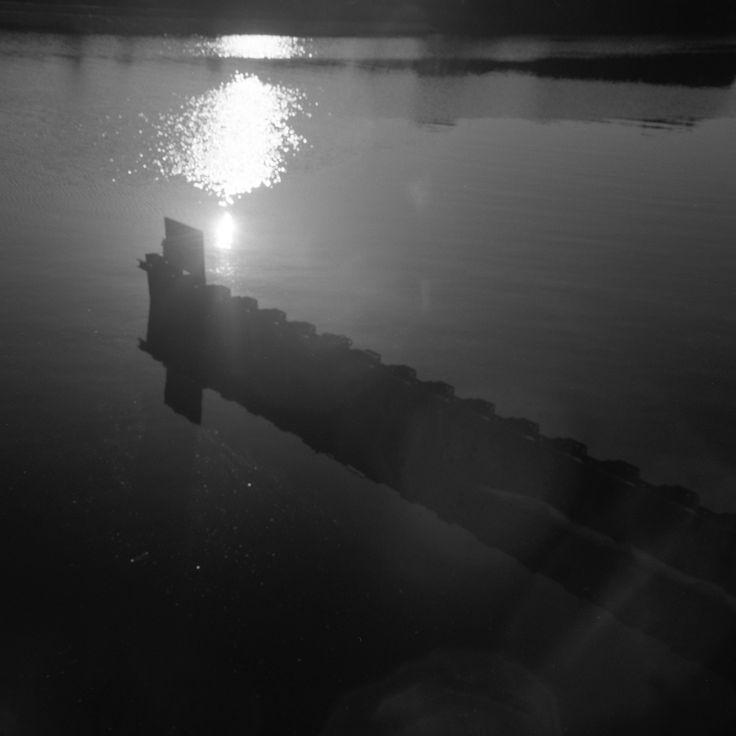 https://flic.kr/p/TQeR27 | Voigtländer Superb (1935),  Skopar 75mm F/3.5 with Y filter,  Kodak TRI-X 400, Location: near Keihinjima Tsubasa Park, Tokyo, Japan, April 16, 2017 | canal