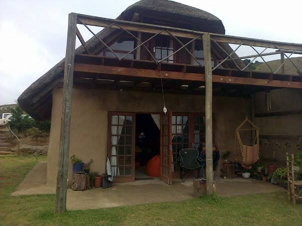 The Satori Farm Eco Retreat is a nature-friendly lodge located in the KZN Midlands where you can find true joy while practising yoga and meditation among the mountains. If you want to channel your Zen through creative expression, Satori offers art workshops, drumming workshops and even a workshop on hay bale building! At Satori, visitors get to celebrate the simple things in life that are often overlooked or taken for granted.