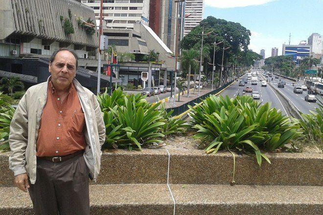 """Héctor Navarro: """"Están acabando la revolución desde adentro"""""""