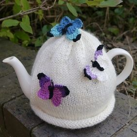 Butterfly Tea Cosy Cream                                                       …