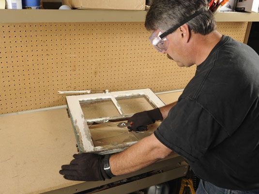 How to Replace a Broken Glass Pane in a Wood-Frame Window - For Dummies