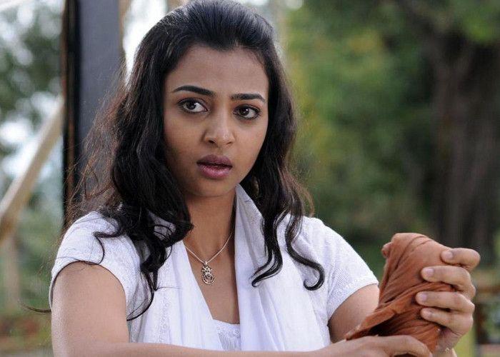 'बदलापुर' की अभिनेत्री राधिका का न्यूड वीडियो वायरल http://goo.gl/7CyCjc