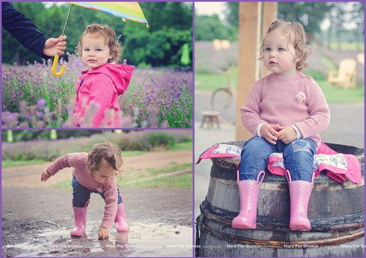 Photography rainy day outdoor lavender feild.  Girl. Pink shirt. cute water boots. playing in the rain.  Photographie. extérieur. jour de pluie. jouer sous la pluie. Champs de lavande. fille. chandail rose. botte d'eau mignonne.