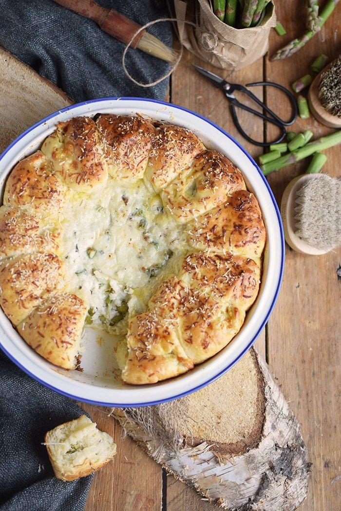 Yogurt Asparagus BBQ Rolls
