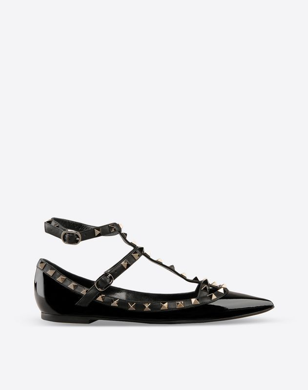 Discover the details of the Rockstud Noir Ballerina for Women. Find out all  the information at Valentino Online Boutique and shop designer icons to  wear.
