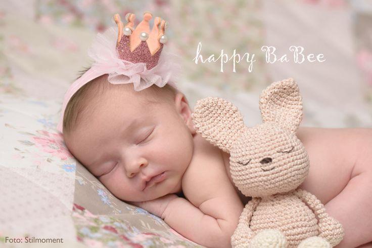 """Ein wunderschönes Haarband """" Krone """" für Baby,- Kind,- Fotoshooting. Halte die schönsten Augenblicke deines Lebens fest: im Herzen und auf den Fotos! Kopfumfang: ca. 36-44cm Drei Farben: Rosé, Gold, Silber"""